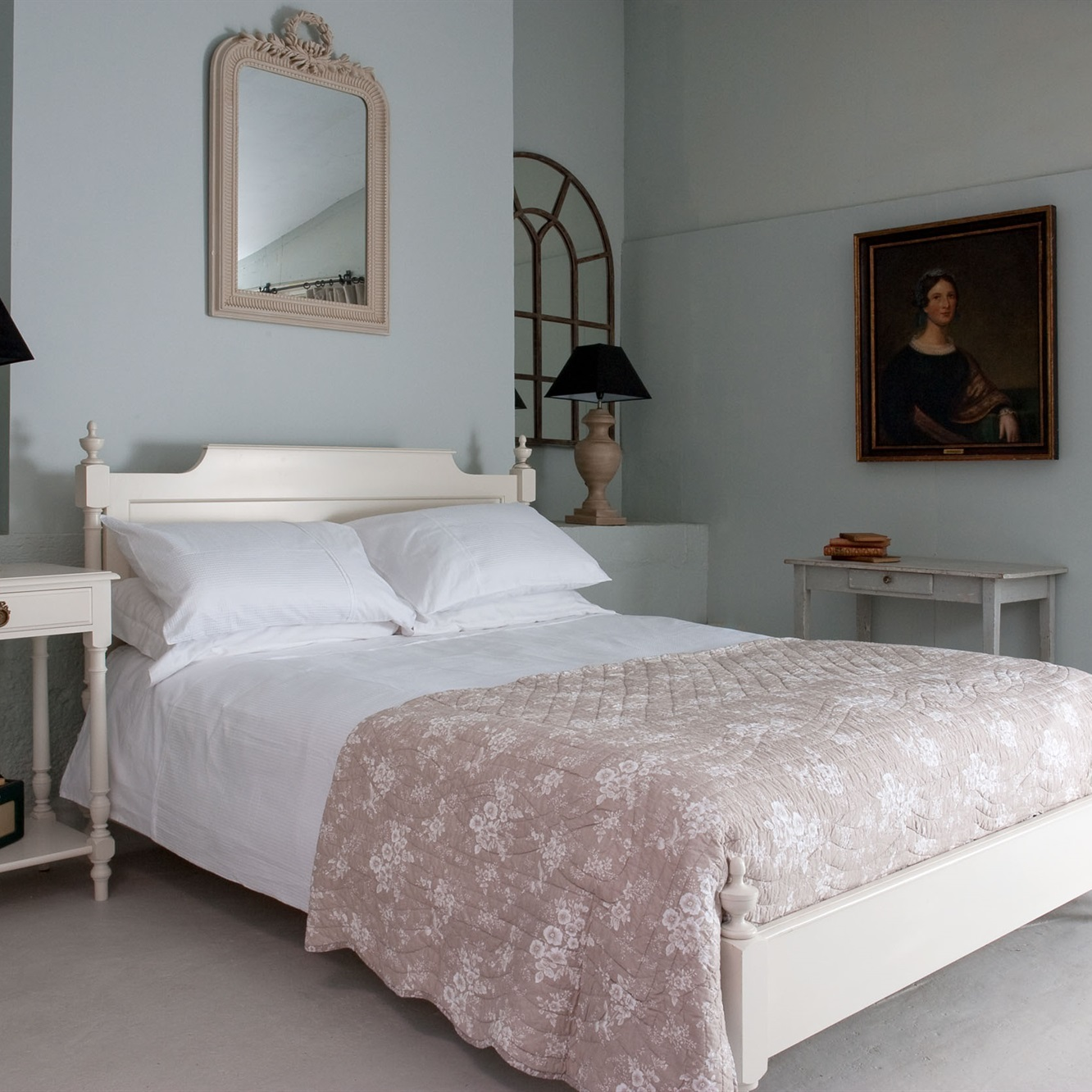 Gustavian Low Footboard Bed
